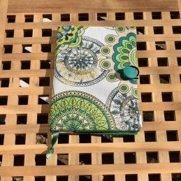 подвързия за книга етно е зелена с мандали