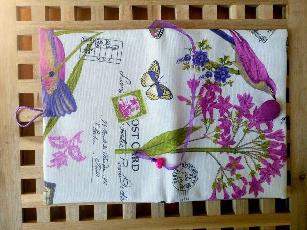 """Много красива обложка за книга """"В градината на вълшебствата"""""""