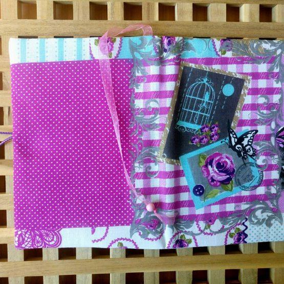 Романс 1 - подвързия за книга в разтворено положение с разделител, копче и ластиче за закопчаване според размера