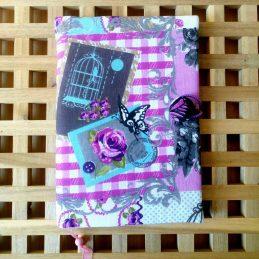 Романс - подвързия за книга в розово, ментово, малко сиви цветчета и бял фон отастрани, с пеперудка