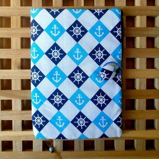 """Подвързия за книга """"Котви"""" - в светло и тъмно синьо на бял фон и котвички в ромбоиди"""