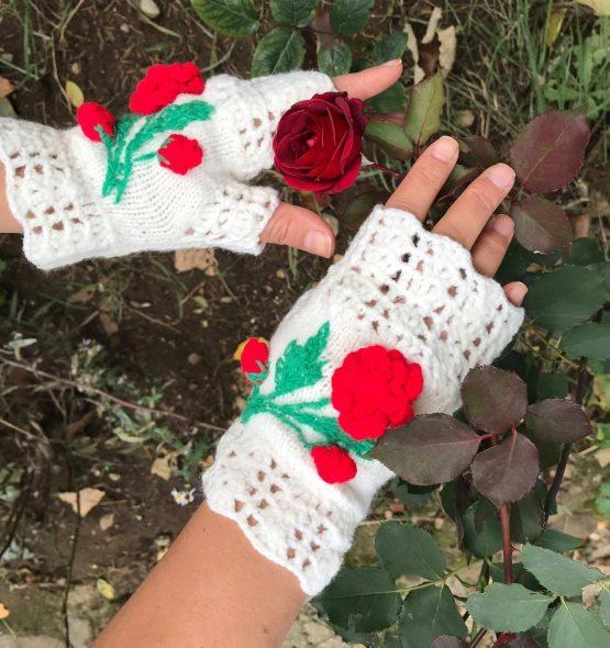 """""""Розичка"""" са дамски ръкавици без пръсти плетени"""