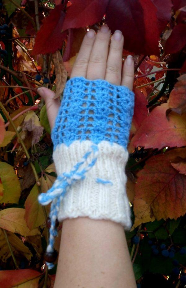 """ръкавици ръчна изработка без пръсти в бяло и синьо """"Сняг"""" - Marchella's Art"""