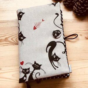 """позвързия книга """"Маци"""" - красив и забавен мотив на интересни котки"""