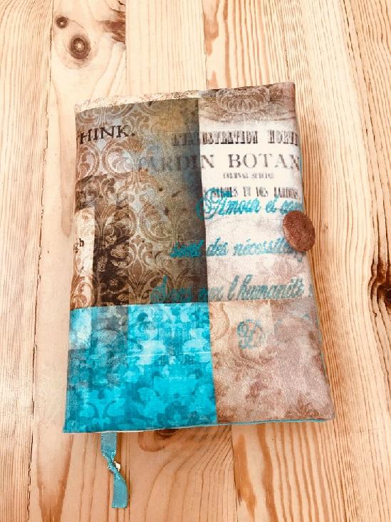 дрехи за книги Ботаник в синьо и бежово с красив шрифт