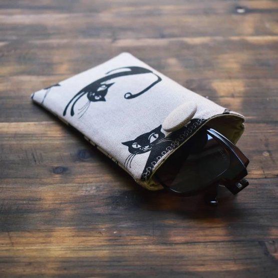 калъф за смартфон с очила Маци